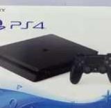 Sony Playstation 4 500Gb новый+2игры